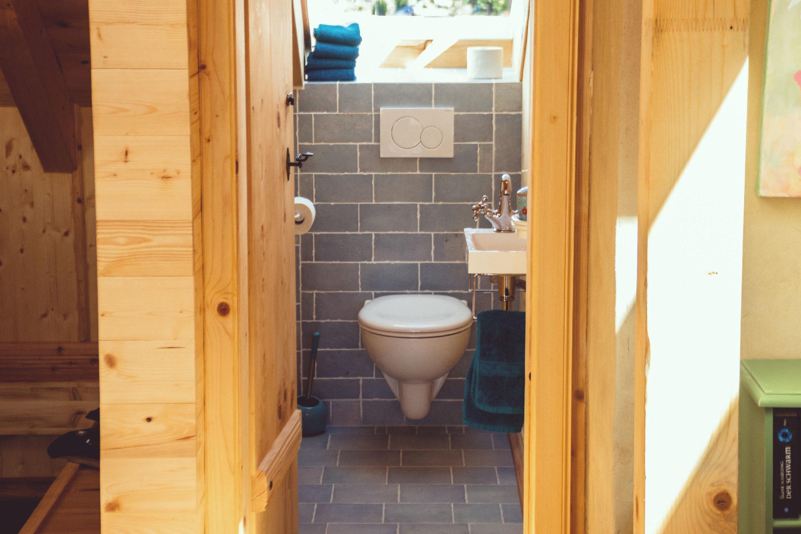 Ferienwohnung Schöne Aussicht Gäste-WC